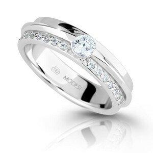 Modesi Třpytivý stříbrný prsten se zirkony M16020 54 mm