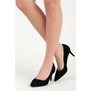 Klasické černé semišové lodičky na podpatku
