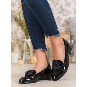 Zajímavé dámské černé  baleríny na plochém podpatku