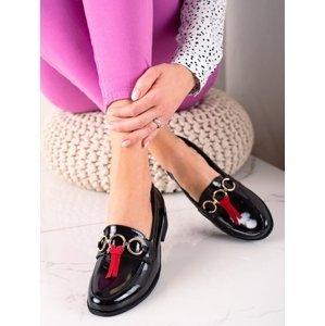 Pohodlné černé  mokasíny dámské na plochém podpatku