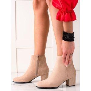 Komfortní hnědé dámské  kotníčkové boty na širokém podpatku
