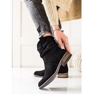 Jedinečné černé  kotníčkové boty dámské na plochém podpatku