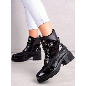 Zajímavé černé dámské  kotníčkové boty na plochém podpatku