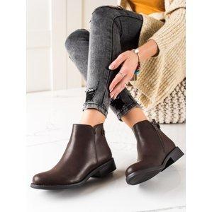 Zajímavé dámské hnědé  kotníčkové boty na plochém podpatku