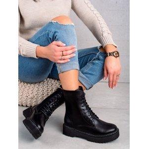 Výborné černé dámské  kotníčkové boty bez podpatku